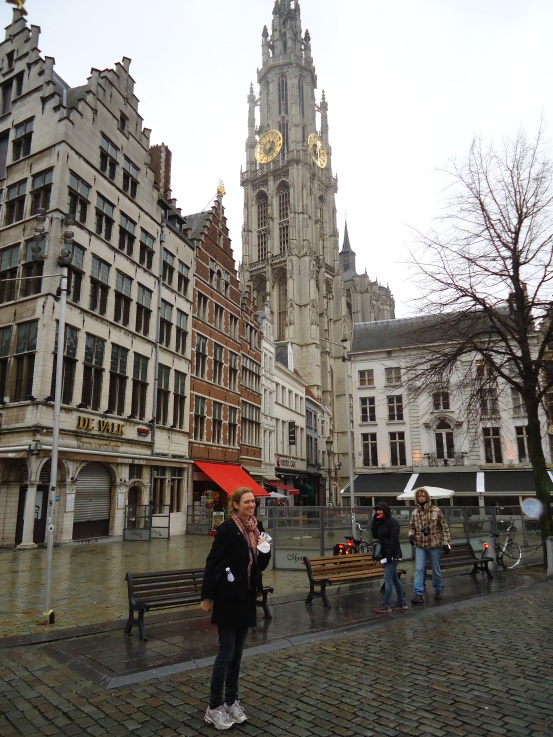 Drizzly in Antwerp - on the hunt for waffles