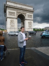 Map reading in Paris
